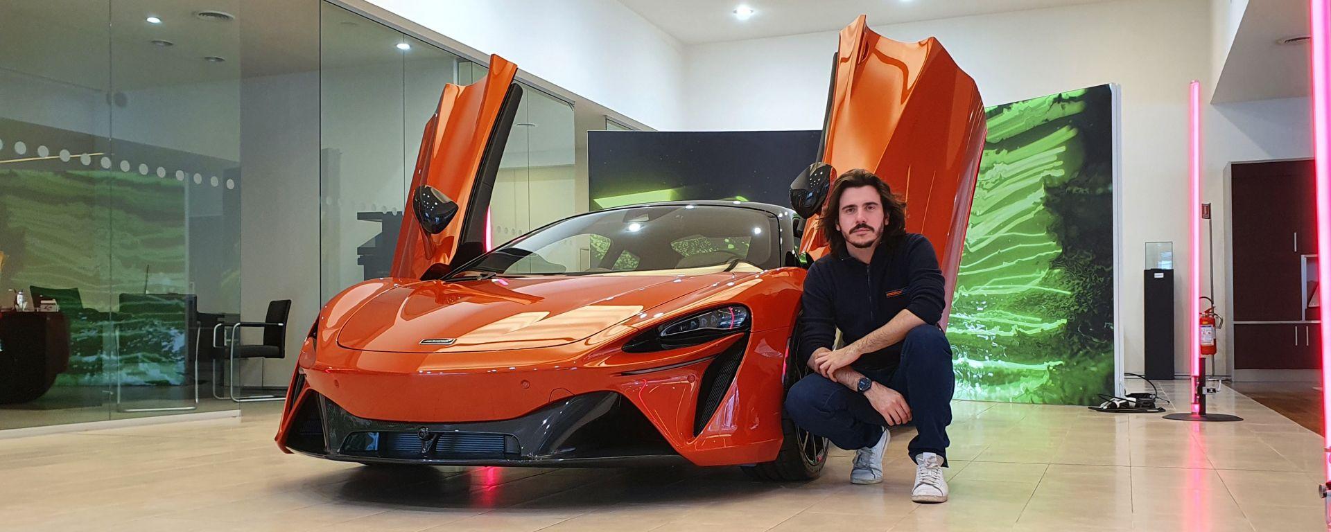 McLaren Artura: il mix tra arte e futuro in video