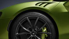 McLaren Artura: particolare dell'anteriore