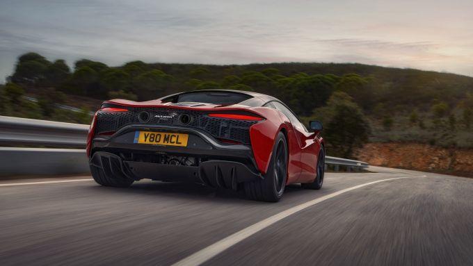 McLaren Artura: visuale di 3/4 posteriore