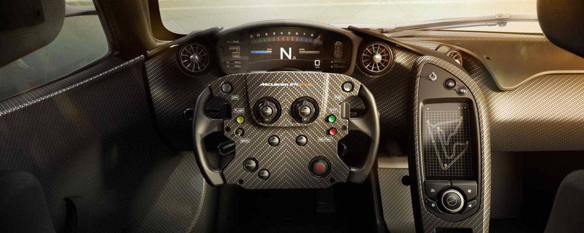 McLaren P1 GTR: gli interni