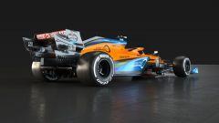 McLaren Racing MCL35 con livrea arcobaleno #WeRaceAsOne