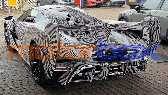 McLaren Sabre: visuale di 3/4 posteriore