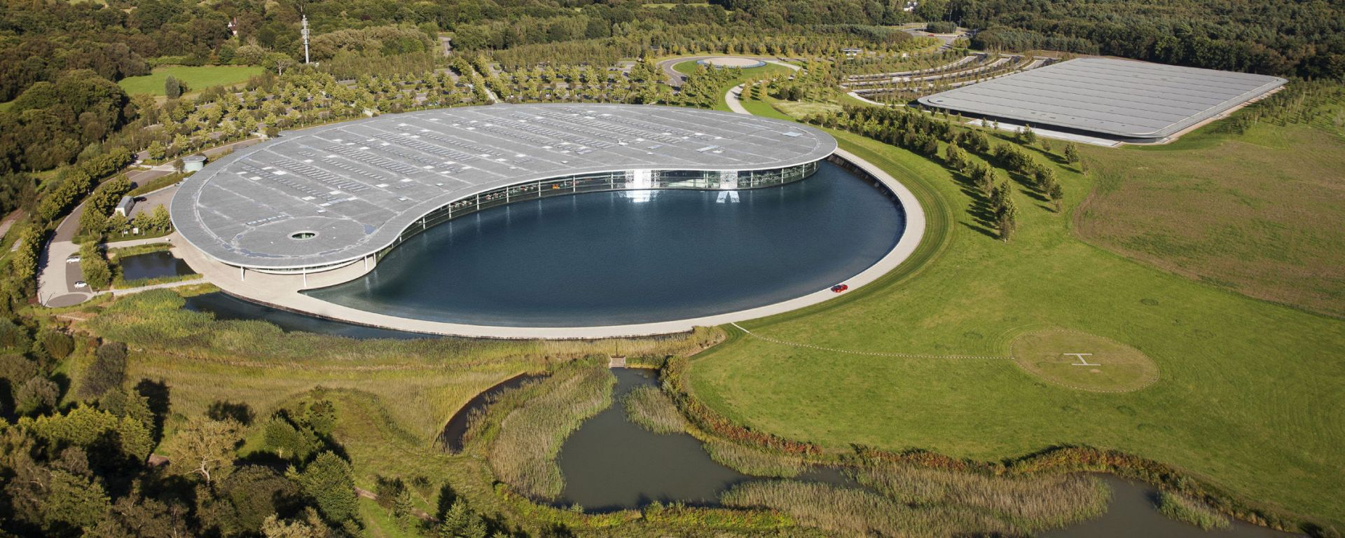 McLaren Technology Center a Woking, Surrey, UK