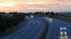 Meno velocità per meno inquinamento? La sperimentazione in Galles