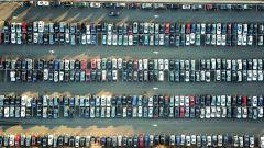 Mercato auto settembre 2021: calo del 32,7%. La crisi dei chip ed ecobonus