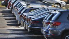Luglio 2021, mercato auto in ribasso. Le vendite per motorizzazioni