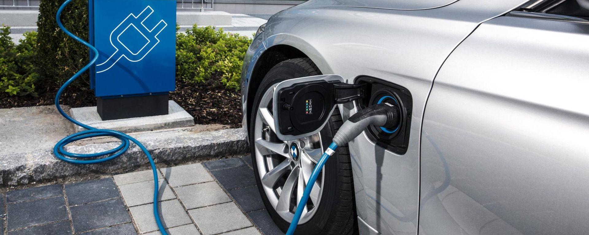 Mercato europeo 2020: crescono elettriche e plug-in