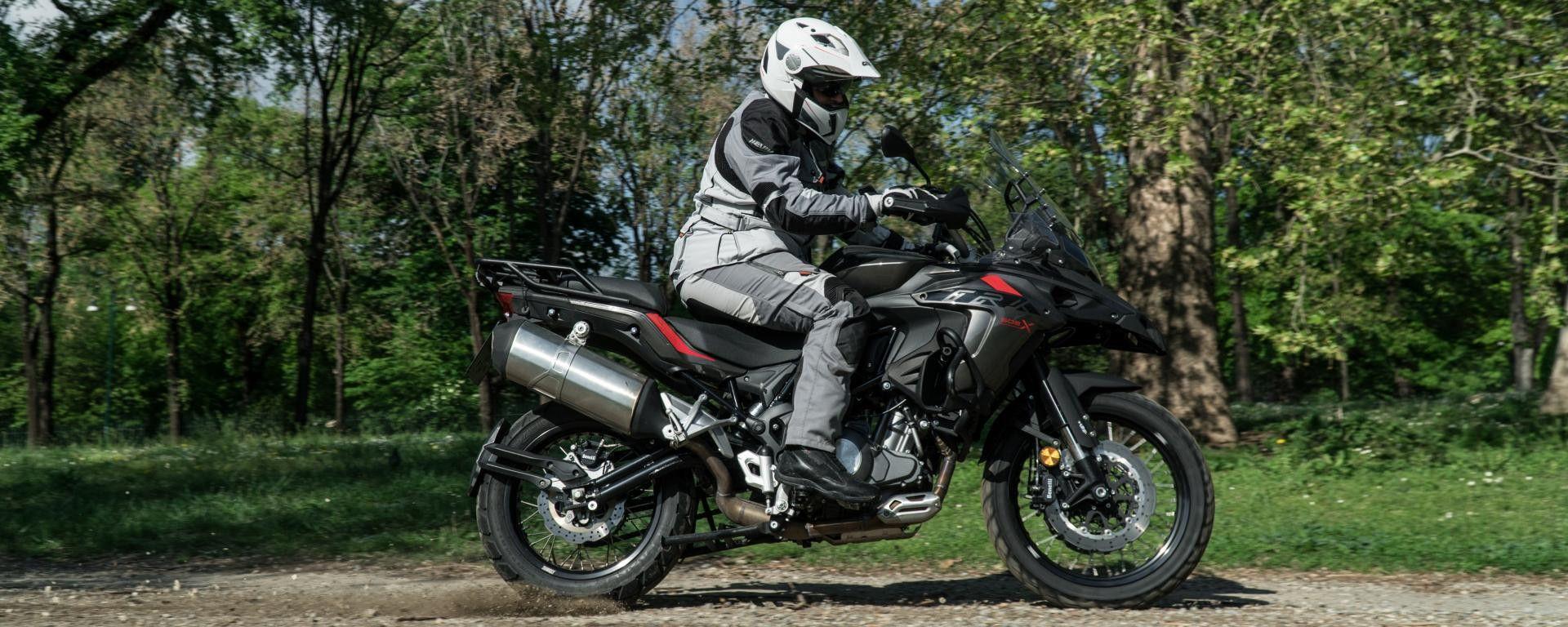 Mercato moto: ad aprile +14%. TRK 502 meglio di Africa Twin