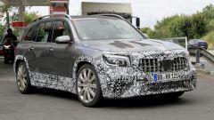 Nuova Mercedes GLB 45 AMG 2021: motore, interni, lancio