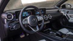 Mercedes A 200d Automatic: la plancia con il display del sistema MBUX