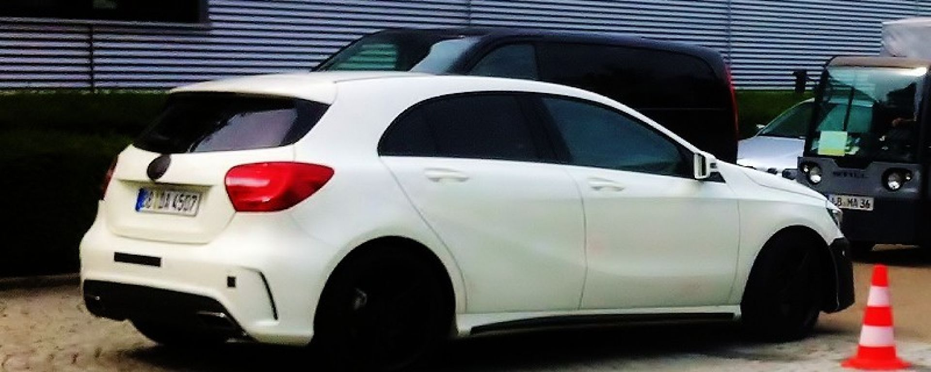 Mercedes A 45 AMG, nuove foto spia