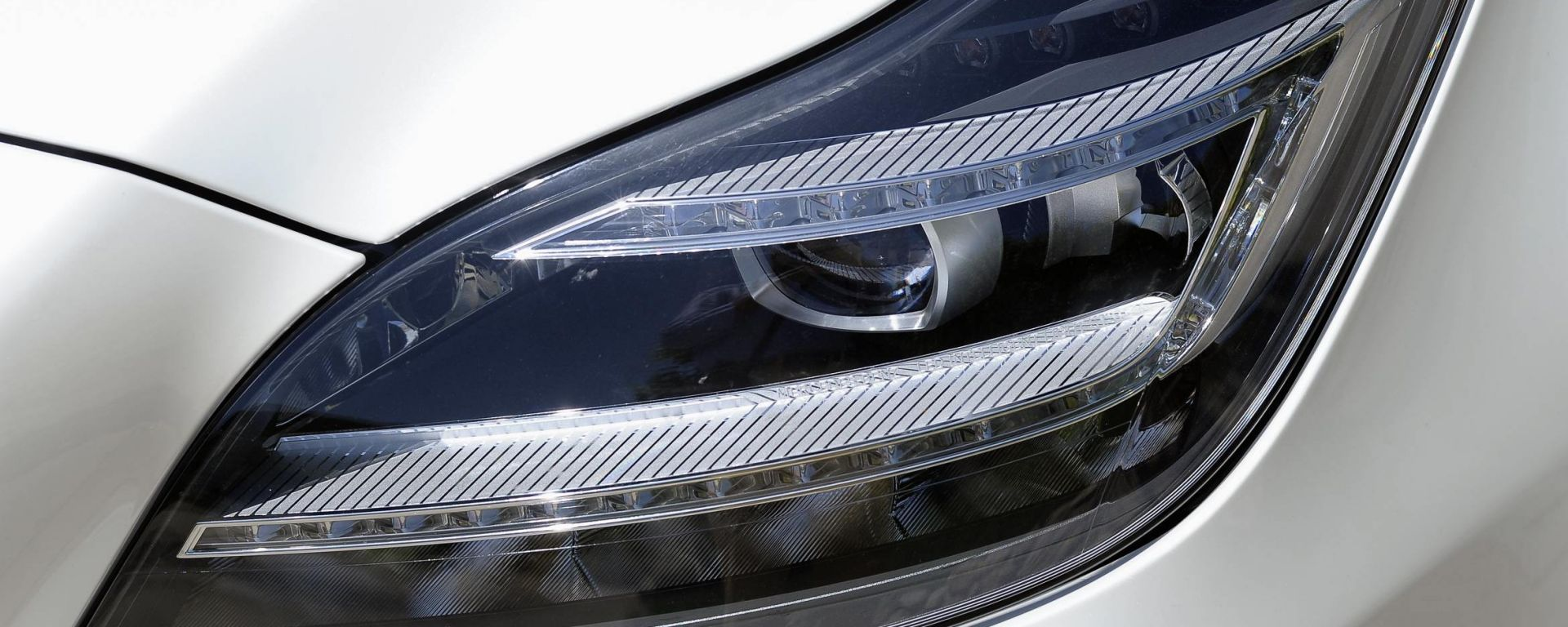 Mercedes Active Multibeam Led