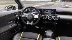 Mercedes-AMG A 45 S 4matic+ 2020: la plancia