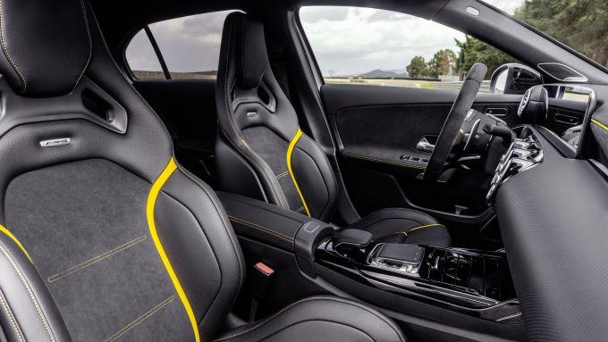Mercedes-AMG A 45 S 4matic+ 2020: l'abitacolo