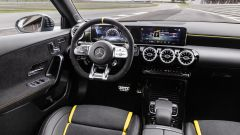 Mercedes-AMG CLA 45 Coupé, gli interni