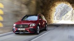 Mercedes-AMG GLB 35: il frontale