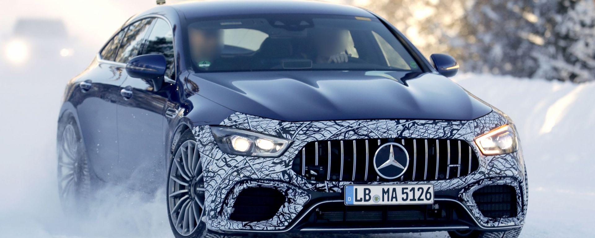 Mercedes-AMG GT 73 EQ Power+ 4 Coupé: visuale di 3/4 anteriore