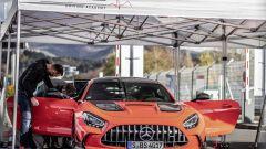Mercedes-AMG GT Black Series: i tecnici al lavoro sulla supersportiva