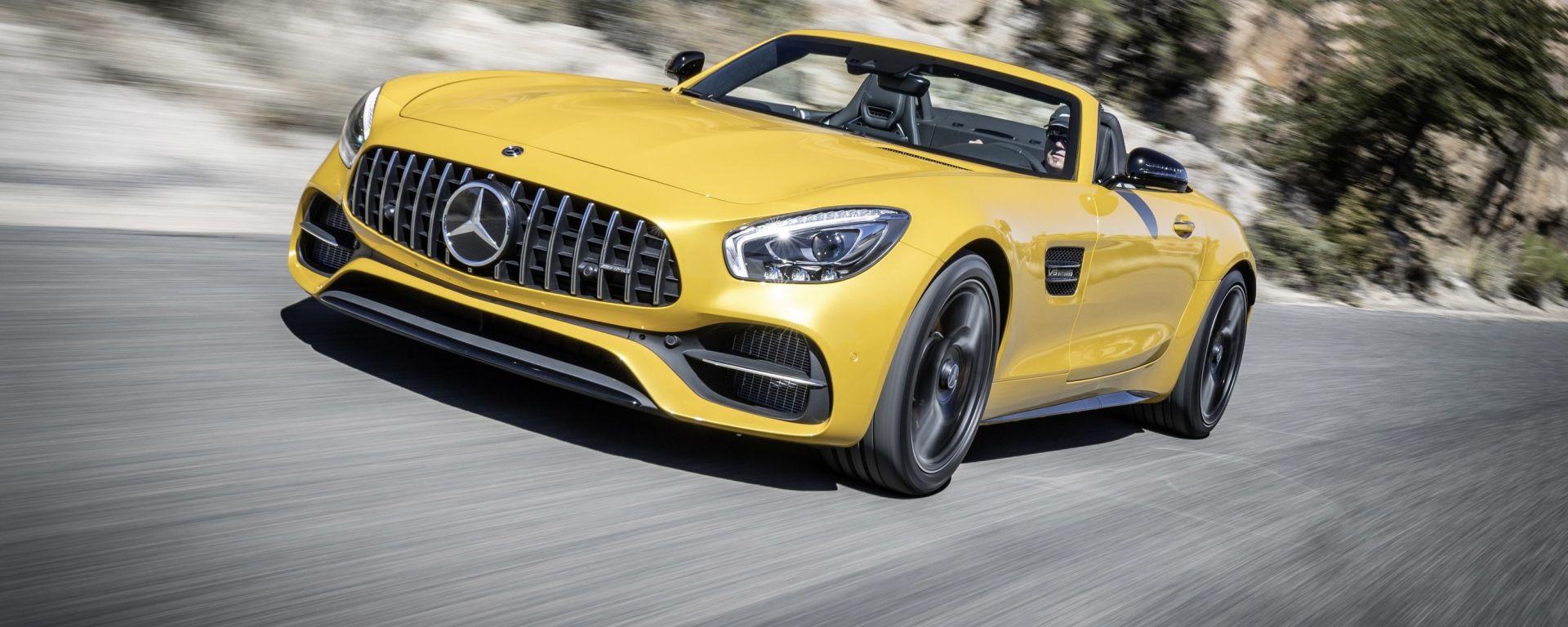 Mercedes-AMG GT C Roadster: cabrio brutale e confortevole