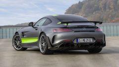 Mercedes-AMG GT R PRO: l'anello di congiunzione tra strada e pista - Immagine: 5