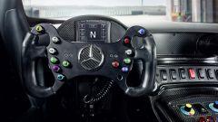 Mercedes AMG GT4 - dettaglio volante