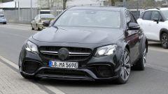 Mercedes-AMG, il muletto misterioso: le carreggiate sono allargate