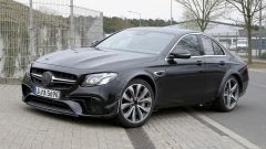 Mercedes-AMG, il muletto misterioso: vista 3/4 anteriore