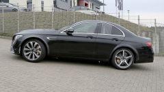 Mercedes-AMG, il muletto misterioso: vista laterale