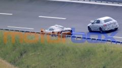 Mercedes AMG One con la sua vistosa pinna centrale