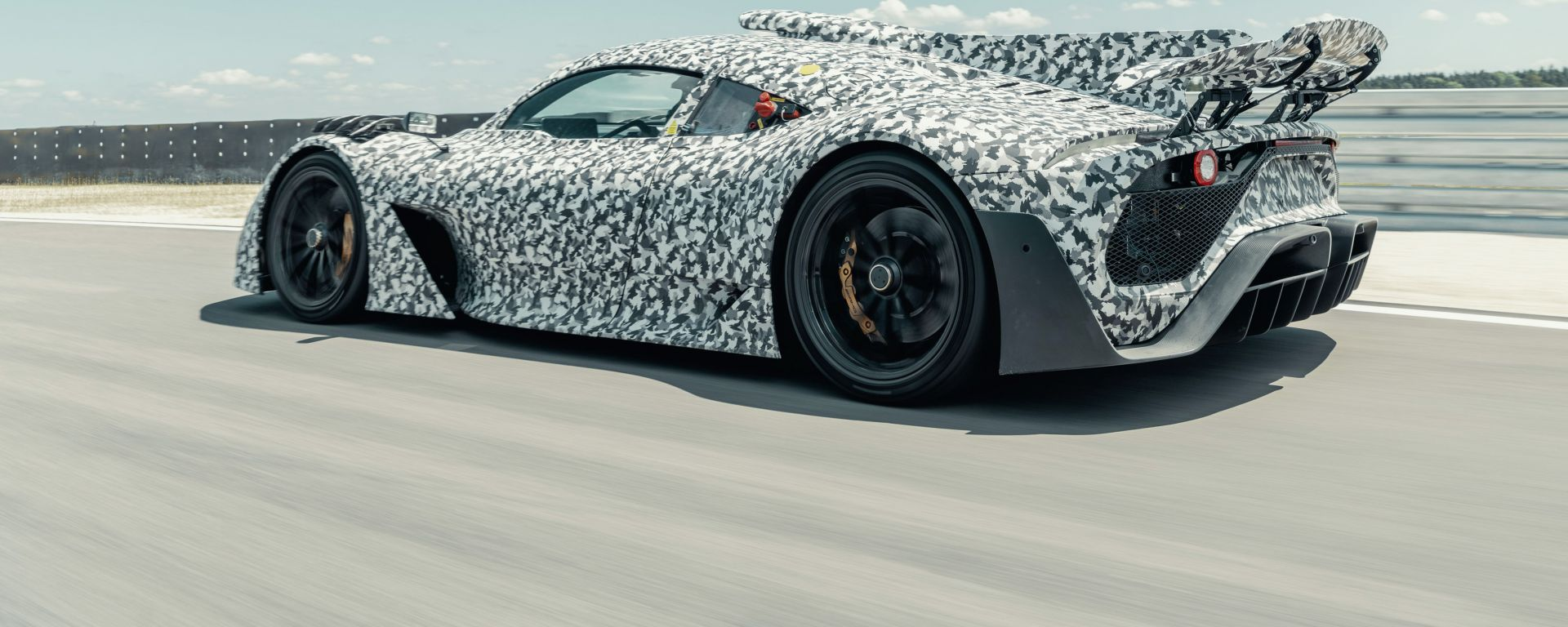 Mercedes-AMG Project One: il 3/4 posteriore