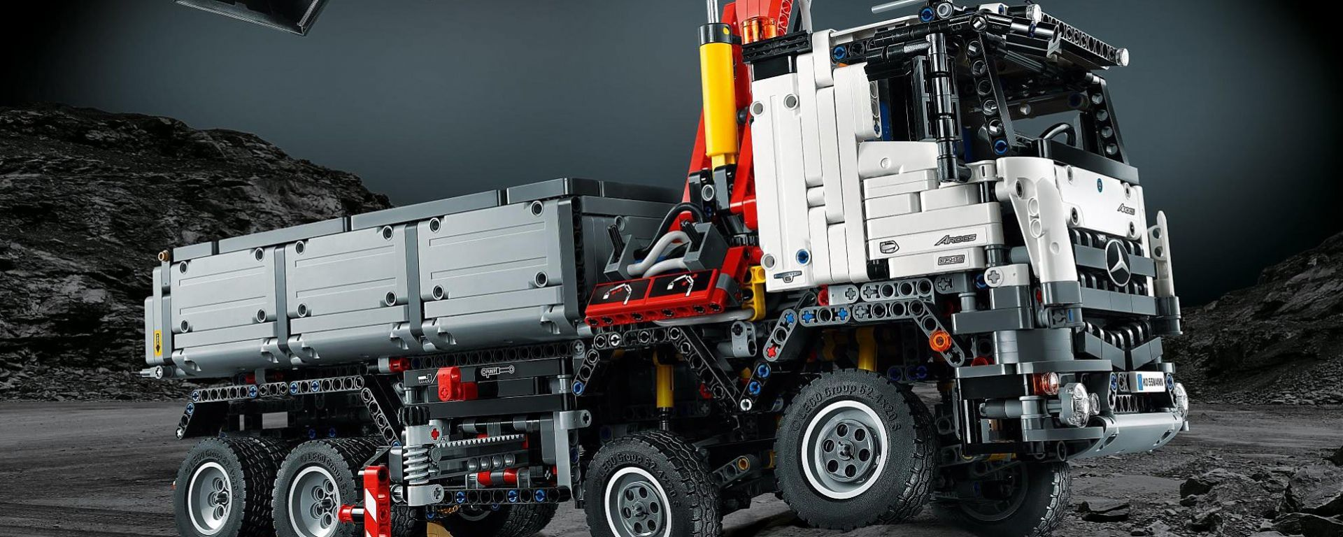 Mercedes Arocs 3245 by Lego Technic