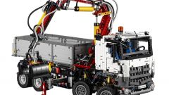 Mercedes Arocs 3245 by Lego Technic - Immagine: 2