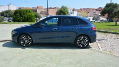 Mercedes-Benz Classe B 180 Automatic: vista laterale SX