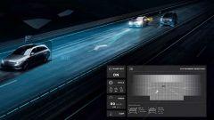 Mercedes-Benz Digital Light avvisa del sopraggiungere di un veicolo nel punto cieco