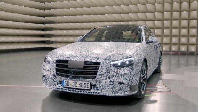 Mercedes-Benz MBUX: la nuova ammiraglia di Stoccarda in fase di sviluppo