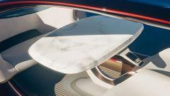 Mercedes-Benz Vision Duet: l'abitacolo, più simile a quello di un aereo o di un treno, che di un'auto