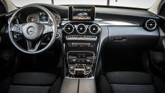 Mercedes C220 d Sport: la plancia