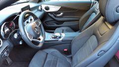 Mercedes C220d Cabrio 4matic: il posto di guida