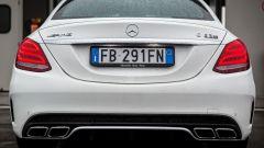Mercedes C63 AMG S: la scritta sulla coda non lascia spazio ai dubbi