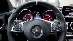 Mercedes C63 AMG S: la strumentazione è quella classica, con fondoscala a 320 km/h