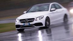 Mercedes C63 AMG S: le caratterizzazioni estetiche sono meno vistose rispetto alle rivali