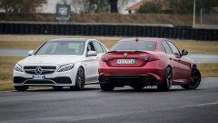 Mercedes C63 AMG S: rispetto alla Giulia Quadrifoglio la tedesca di Stoccarda è più pesante