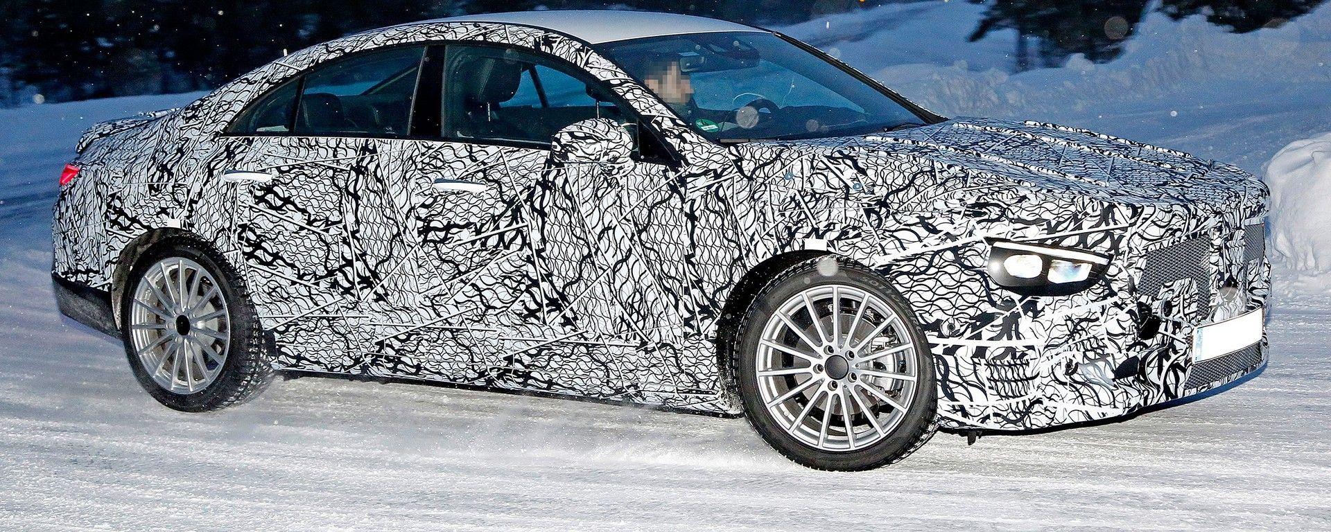 Mercedes CLA 2019: una foto spia