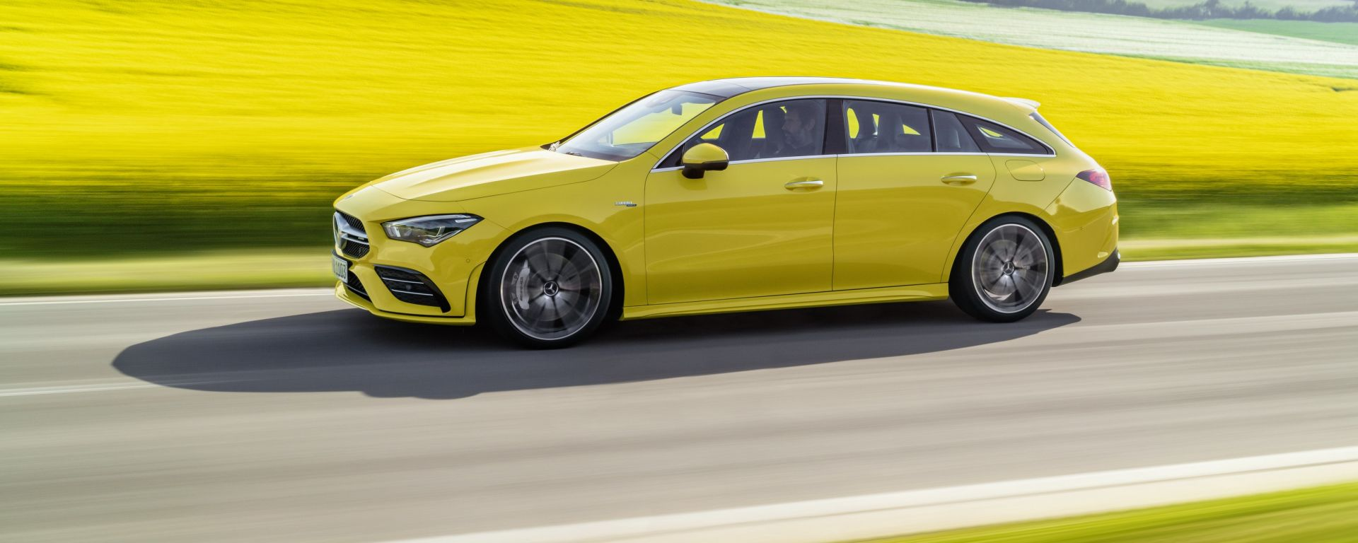 Mercedes CLA 35 AMG 4Matic Shooting Brake: vista laterale