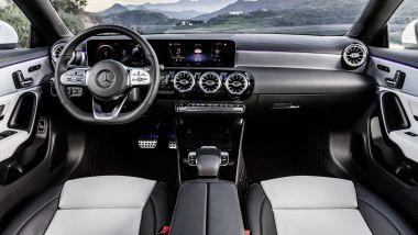 Mercedes CLA Shooting Brake 220: gli interni