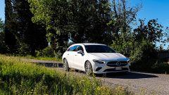 Mercedes CLA Shooting Brake alla prova in un percorso di collina