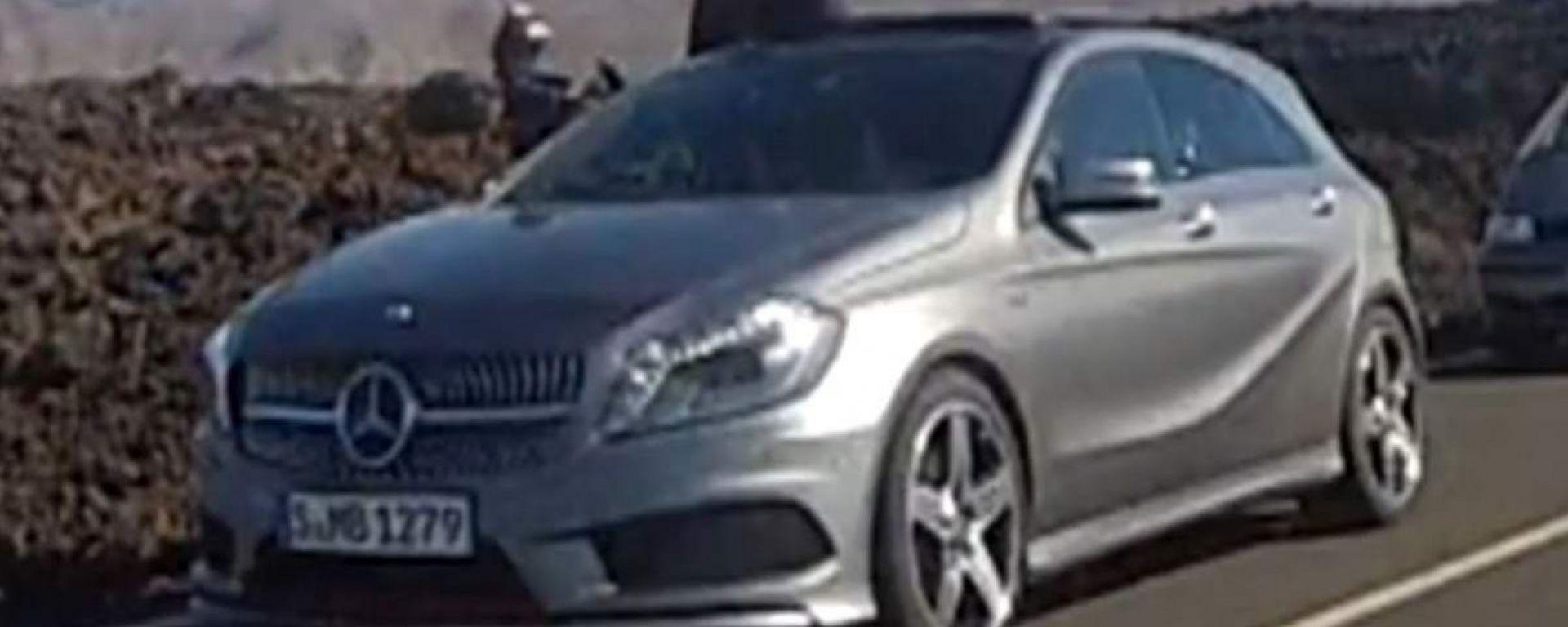 Mercedes Classe A 2012: senza veli in video