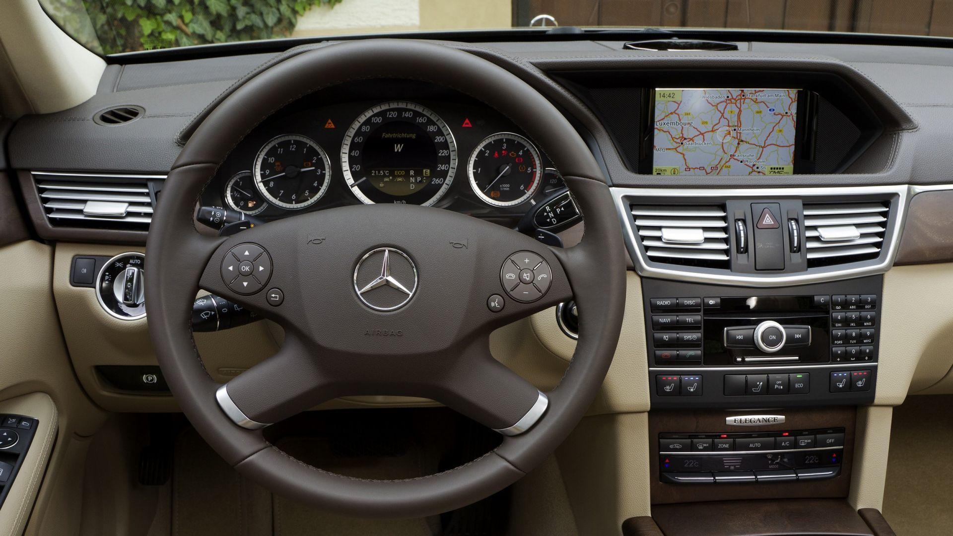 Immagine 31: Mercedes Classe E 2011