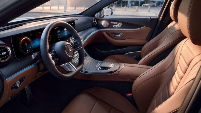 Mercedes Classe E 2020: gli interni lussuosi, confortevoli e di grande qualità