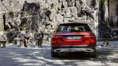 Mercedes Classe E All Terrain: anche dietro è rinforzata